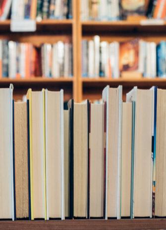 Shelf-with-books